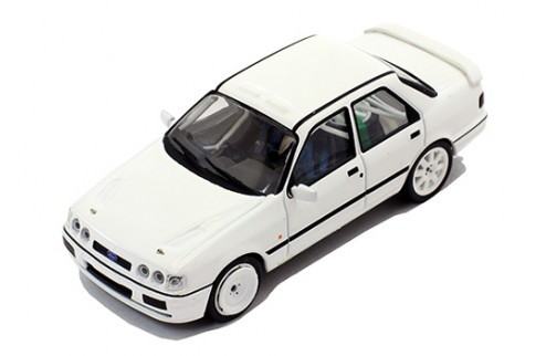 FORD Sierra Cosworth 4x4 1992 Rally Spec - All white