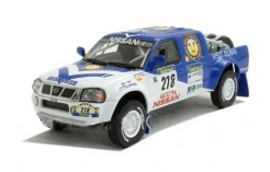 NISSAN NAVARA Pick Up Paris-Dakar 2003 - D. Housieaux