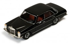 Mercedes Benz 200-8 (Strichachter) Black (Cream interior)