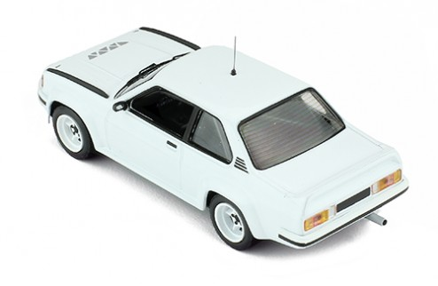 OPEL ASCONA 400 1981Rally Spec (2 set of wheels and tyres) - All white