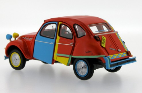 Citroën 2CV Picasso by Andy Saunders - - Red, Blue & Yellow - 2007