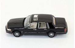 Lincoln Town Car - Black - 1996