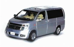 NISSAN EL GRAND 2002 Champagne Metallic