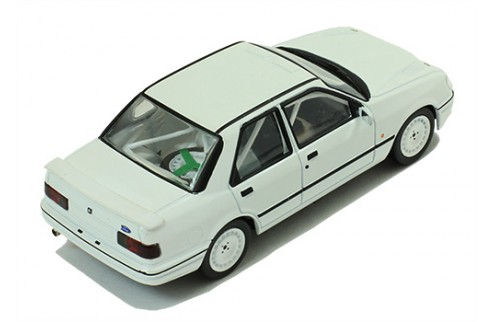 FORD Sierra Cosworth 4x4 1991 Rally Spec - All white