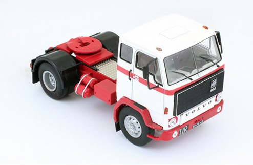 Volvo F89 1970 Red and White
