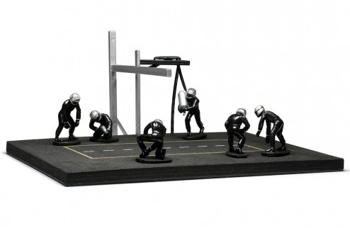 PITSTOP Mechanic Set with 6 Figurines + Post and Cables - black