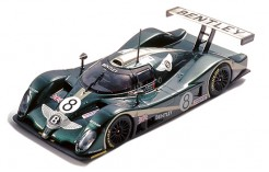 Bentley Exp Speed8 #8 A. Wallace - B. LeiTZinger - E. Van de Poele 3rd Le Mans 2001