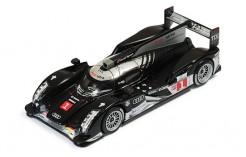 Audi R18 TDI #1 T. Bernard - R. Dumas - M. Rockenfeller LMP1 Le Mans 2011