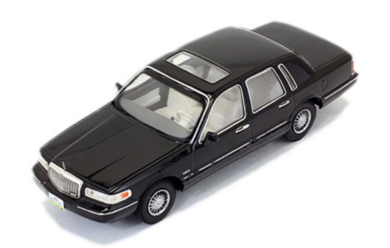 Lincoln Town Car Black 1996