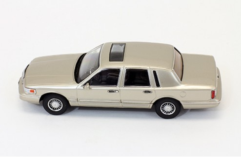 Lincoln Town Car - Champagne - 1996