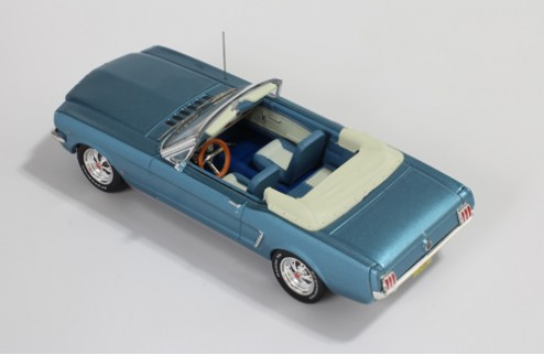 Ford Mustang Convertible - Light Blue 1965